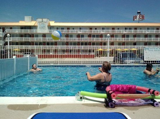 Tangiers Resort Motel : mom and rebecca