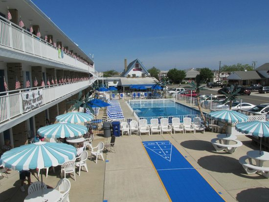 Tangiers Resort Motel : view from sun deck