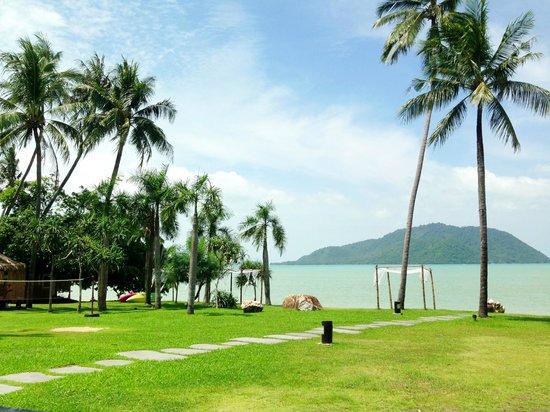 The Vijitt Resort Phuket: Relax view from swimming pool~