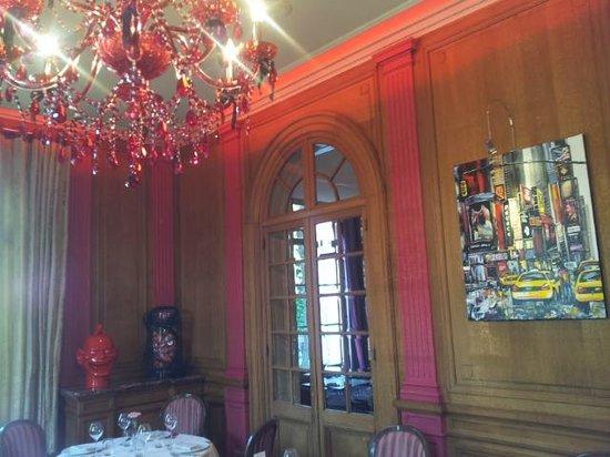 Hotel La Maison Rouge: Mooi statige eetzaal