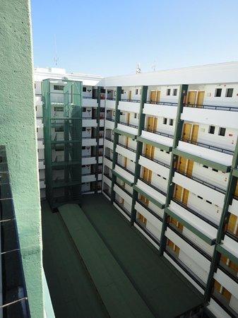 Hotel Green Field: All floors of the hotel, really noisy
