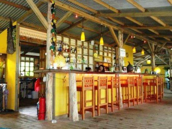 Playa Bluff Beach Restaurant : The Beach Bar