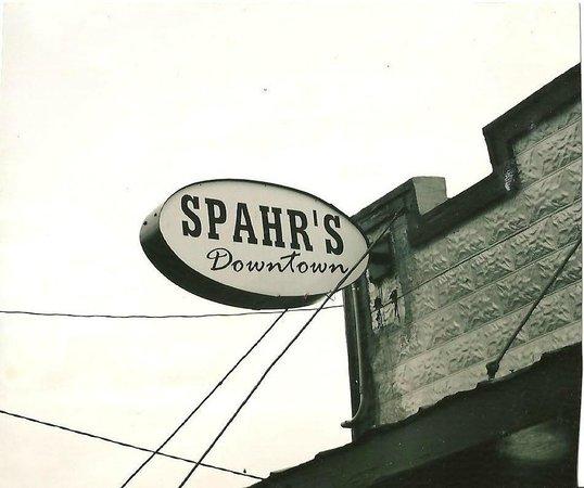 Spahr's Seafood Downtown Thibodaux: Signage