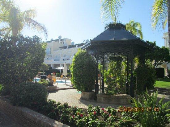 Aloha Gardens : grounds