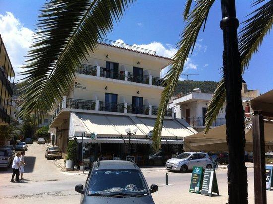 Hotel Christina : la façade de l'hôtel