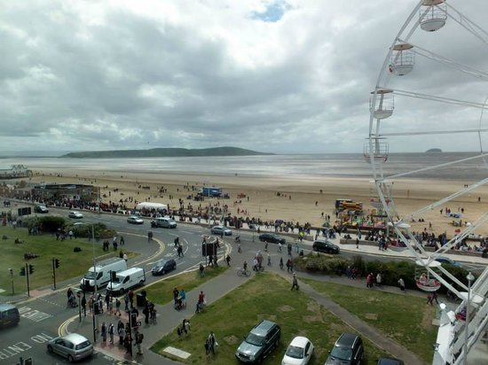 Premier Inn Weston-Super-Mare (Seafront) Hotel: our window view
