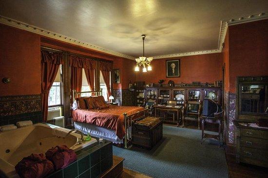 Hancock House B and B: Library Room