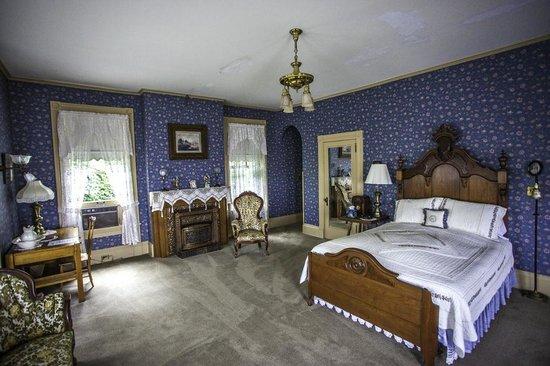 Hancock House B and B : Mrs. Hancock's Room