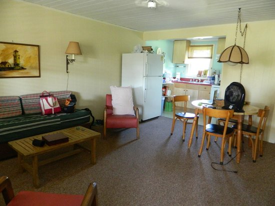 Edwards of Ocracoke Rooms and Cottages: Living,dining and kitchen areas