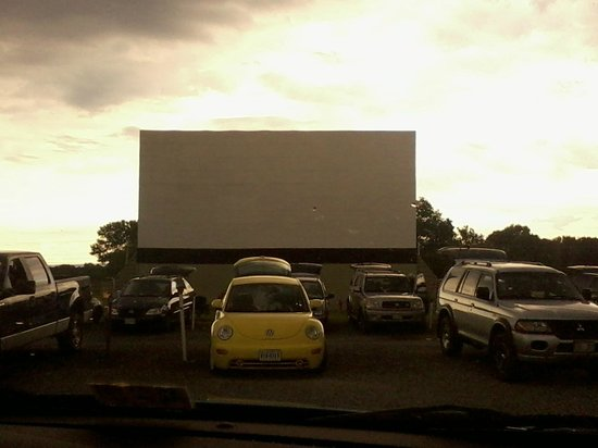 ‪The Family Drive-In Theatre‬