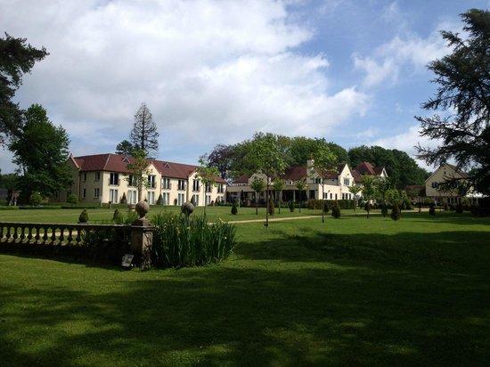 Hogarths Hotel: The Gardens