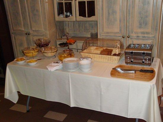 Arbat Nord Hotel: Müsli und Brot