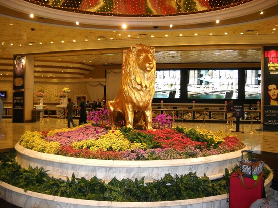 All new, the best of the newest hotels on the Las Vegas Strip! Aria hotel and casino, Cosmopolitan hotel, Mandarin Oriental hotel, Encore a Wynn Resort hotel, Wynn Las Vegas, all new, all the best of the best, Official Site!
