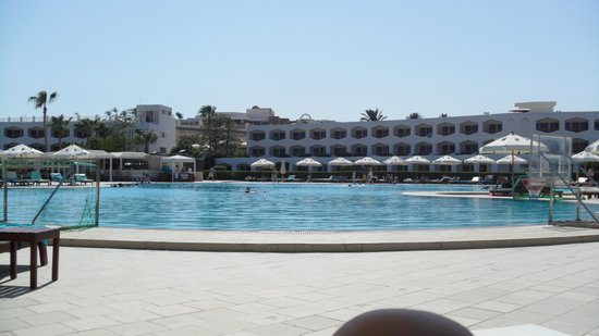 Baron Resort Sharm El Sheikh: Piscina grande