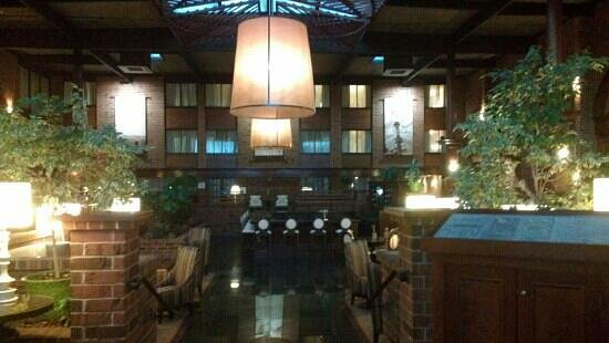 BEST WESTERN PREMIER The Central Hotel & Conference Center: lobby