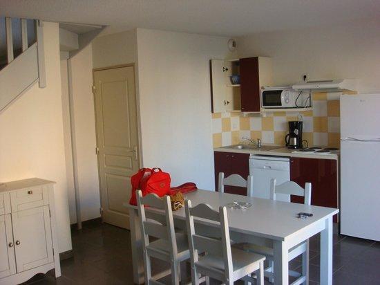 Residence Les Demeures du Ventoux: cuisine
