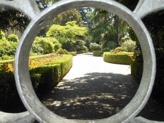 Castello di Montechiarugolo: particolare giardino