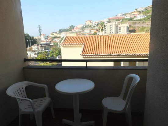 Santa Cruz Village Hotel: Balcony in room