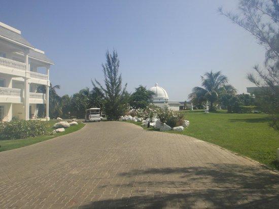 Grand Palladium Lady Hamilton Resort & Spa: Grounds
