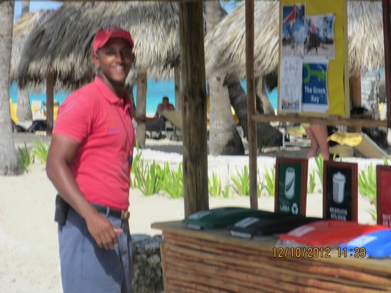 Iberostar Grand Hotel Bavaro: Augusto, Lifeguard & Security always working ! ! !