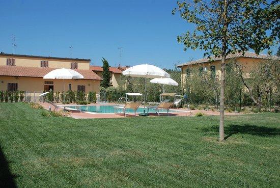 Borgo Piccaratico: La piscina