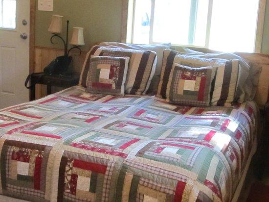 Talkeetna Chalet: Comfy bed