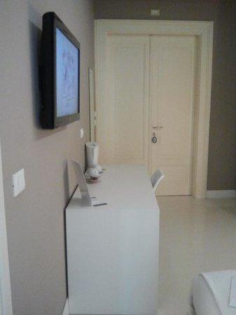 House 5 Room Design: Interno camera