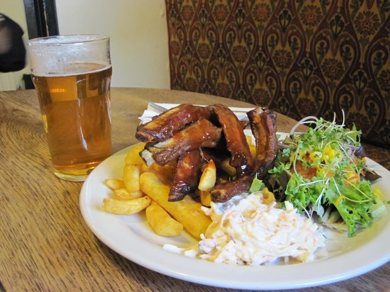 White Hart: Ribs, chips and salads