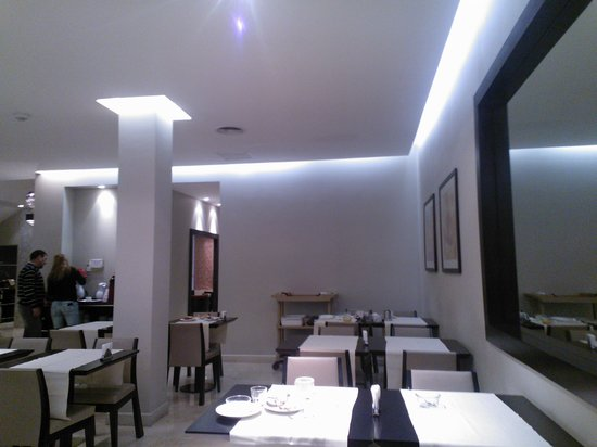 Hotel Napoleon: Salón Comedor - Desayuno