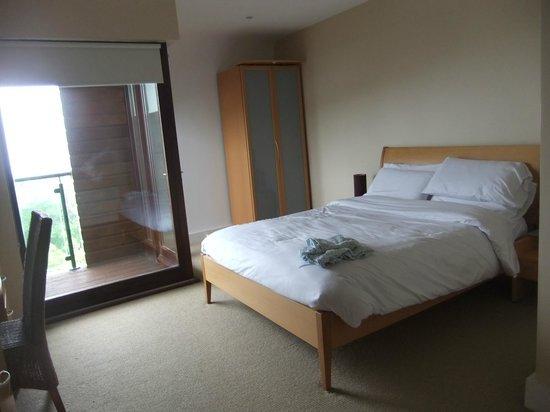 Carleton Village: 2nd upstairs bedroom