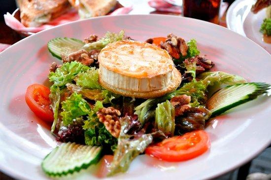 Pilsvogel: Great goat cheese salad
