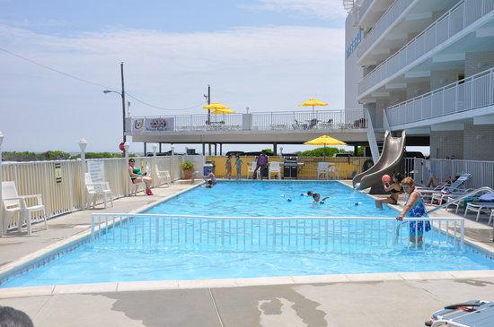 Nassau Inn: Pool and Sundeck