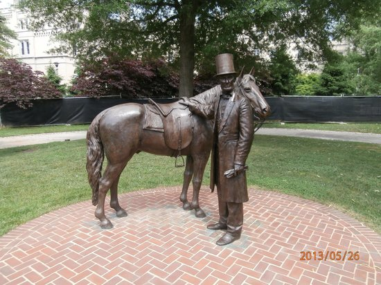 President Lincoln's Cottage: Statue by the cottage