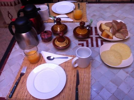Cala Medina : petit déjeuner