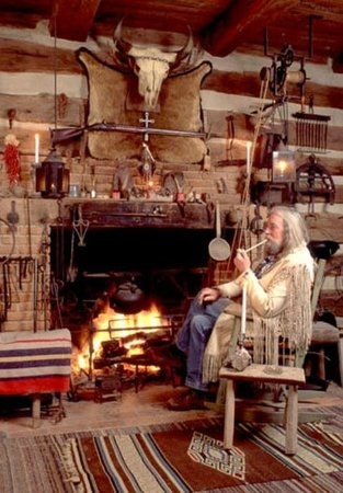 Fort Charrette Historic Village: Fort Charrette Trading Post living quarters