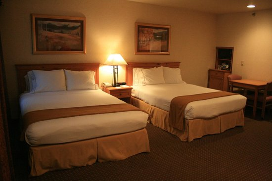 Holiday Inn Express South Lake Tahoe : 2 Queen Beds