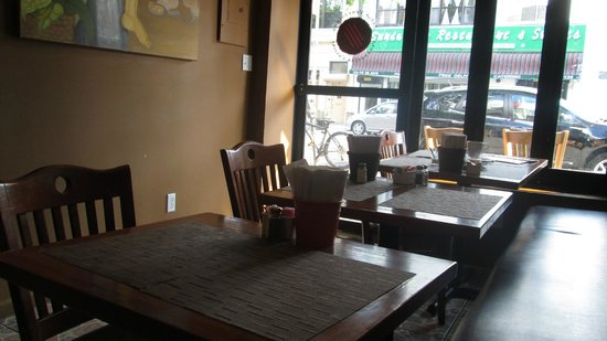 Arepas Cafe: dining room