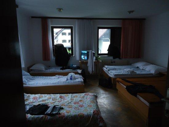 Youth Hostel Nika