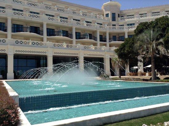 Hotel Las Arenas Balneario Resort: El jardín central