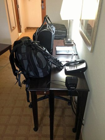Comfort Suites Byron : desk