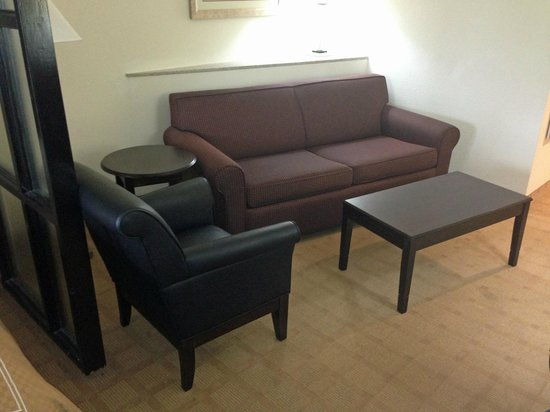 Comfort Suites Byron: sitting area