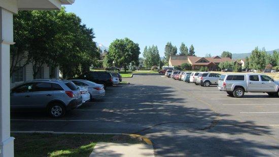 Comfort Inn & Suites Carbondale : Großzügiger Parkplatz
