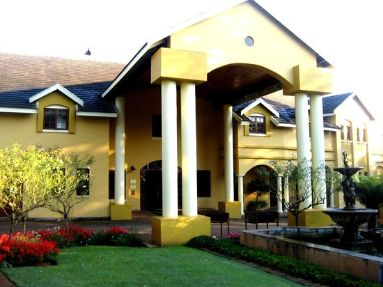 Lone Creek River Lodge: Hauptgebäude