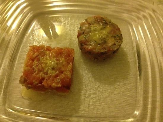 Ca del Merlo: tartare di salmone affumicato e branzino