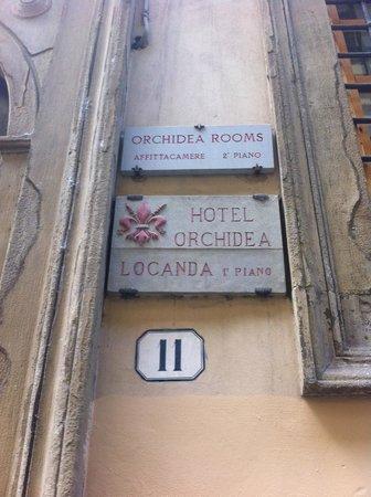 Hotel Locanda Orchidea: вывеска отеля