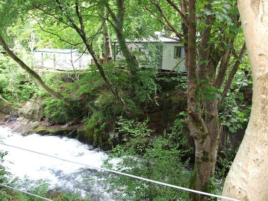 Ogwen Bank Caravan Park and Country Club: river ogwen