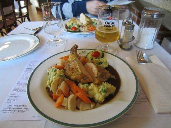 Schloss Restaurant Marienburg: Maispoularde: reichlich und sehr lecker für 14,50 Euro