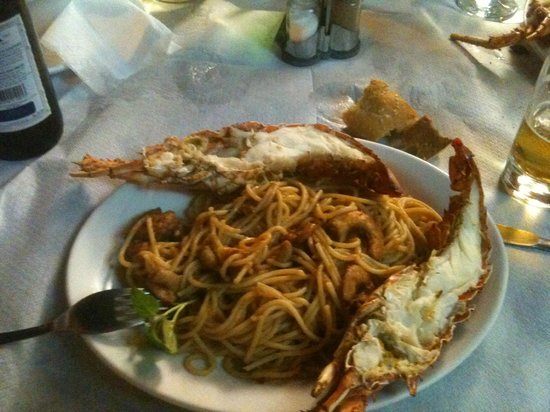To Mouragio : Lobster with spaghetti  and shrimps, yammi!