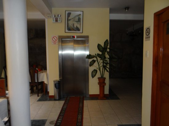Del Prado Inn : INSIDE HOTEL