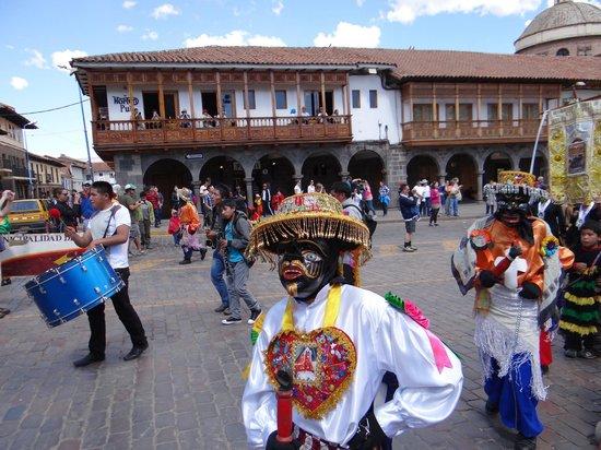 Del Prado Inn : FESTIVAL ARRIVAL